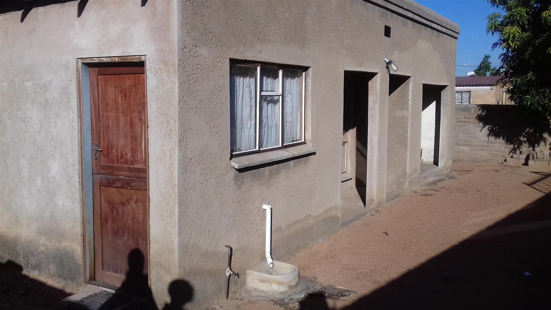 HOUSE FOR SALE AT ODI MABOPANE