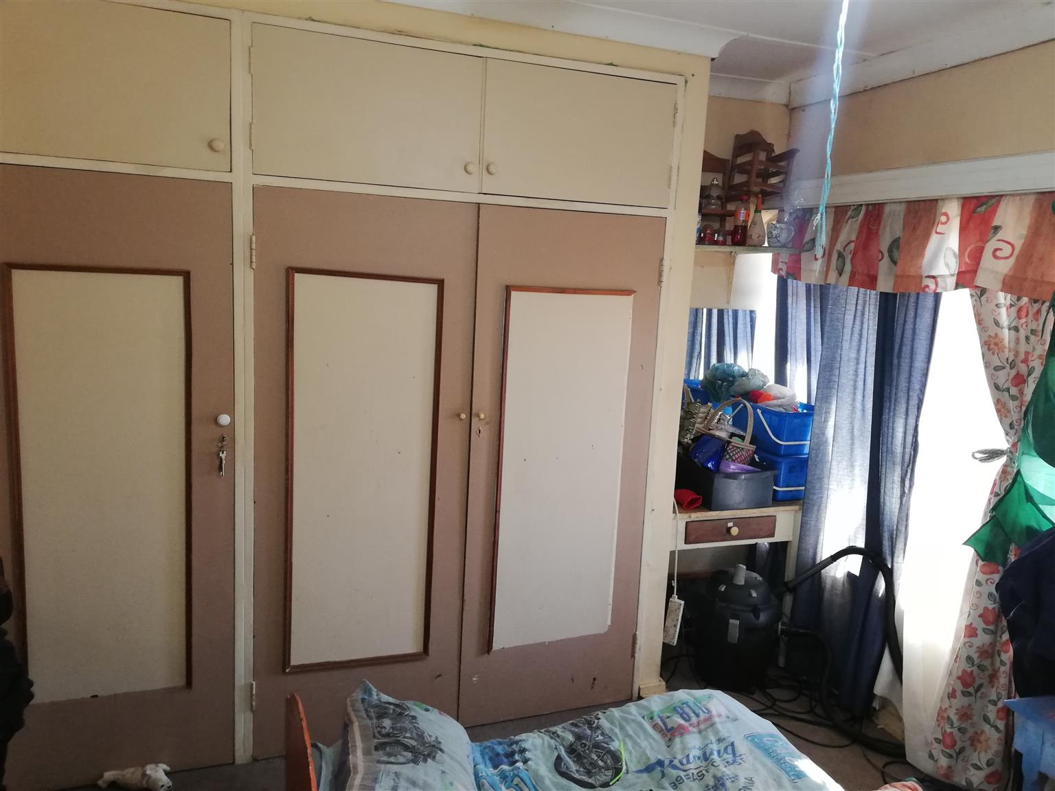 BARGAIN 3 Bedroom House with Flatlet built onto house - BELOW MARKET VALUE!