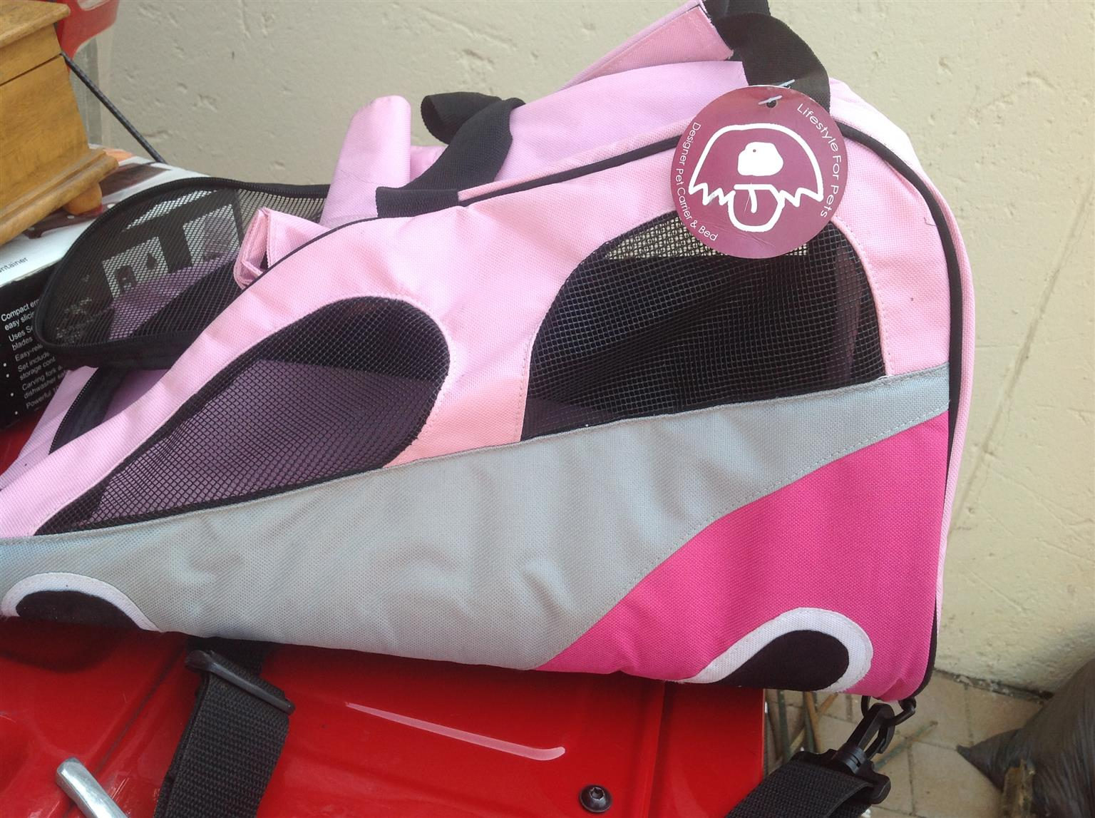 DOGS LIFE - PINK DOG CARRIER - BRAND NEW  a0dc38c58b