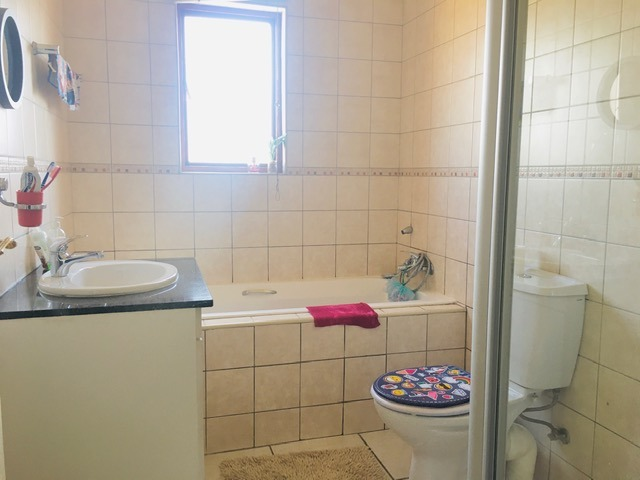 Apartment For Sale in Helderwyk