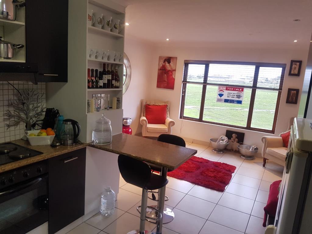 2 Bedroom Flat For Sale  Highbury, Kuils River