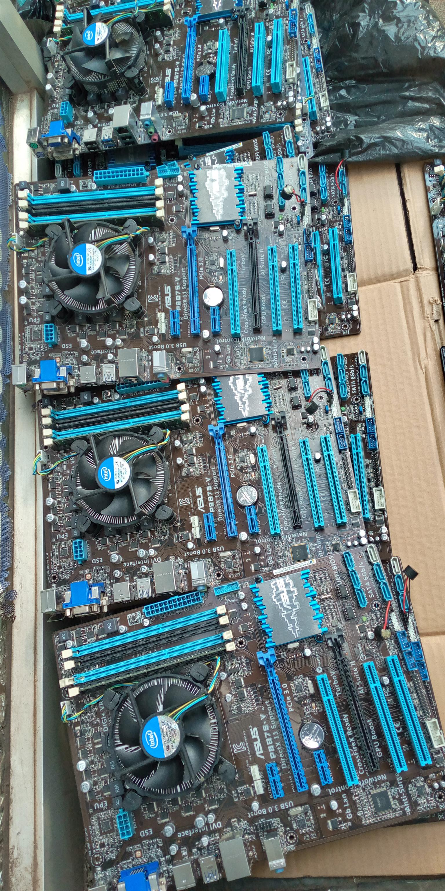 GAMING BOARD Sock 1155 board backplate on special