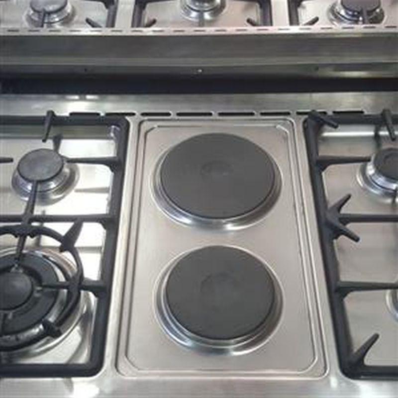 New Elba gas stove. 6plate with oven