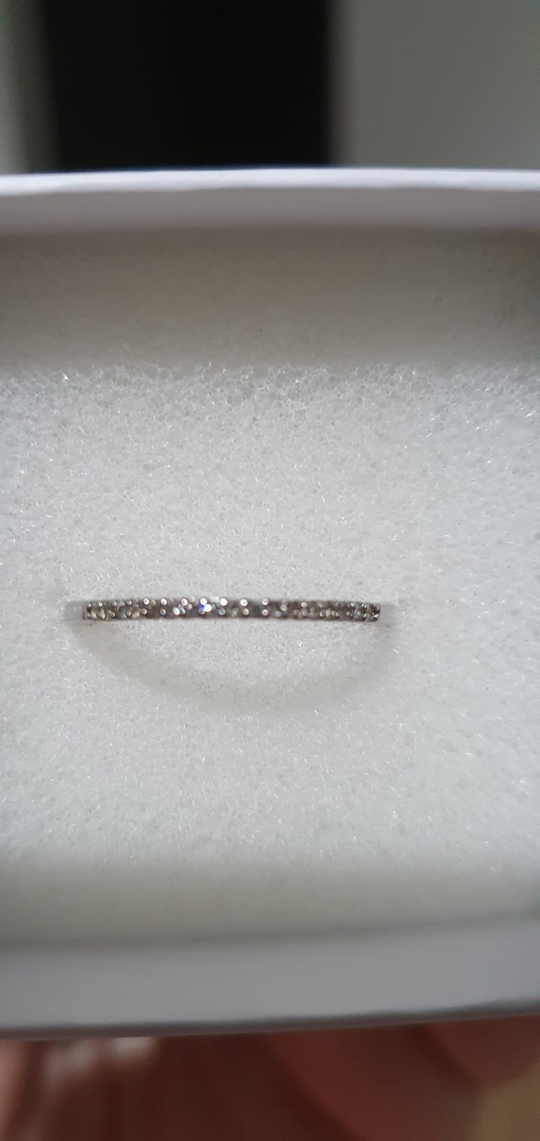Beautiful White Gold wedding band never been worn