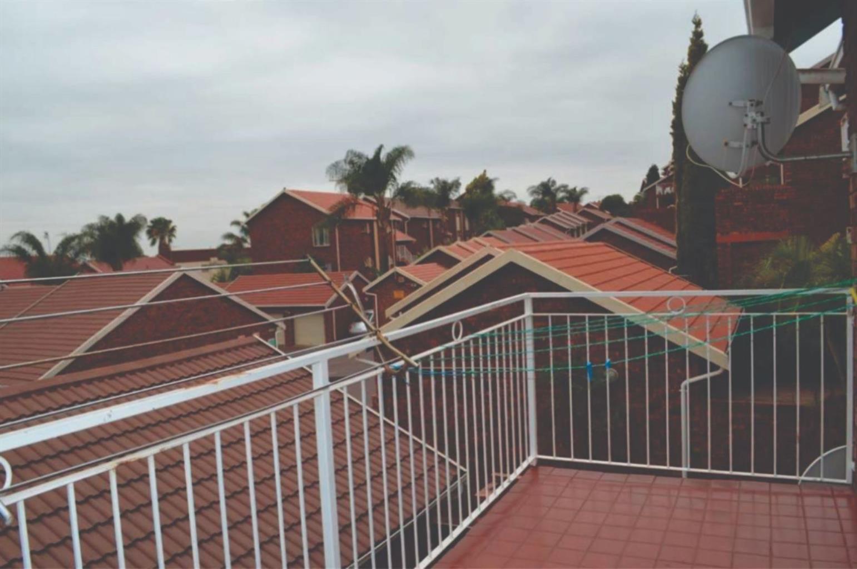 Townhouse Rental Monthly in MORELETA PARK & EXT