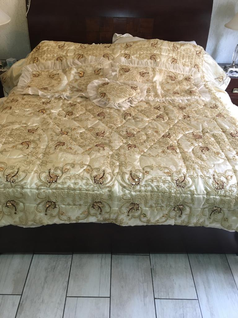 Designer Bedspread with Pillow Cases