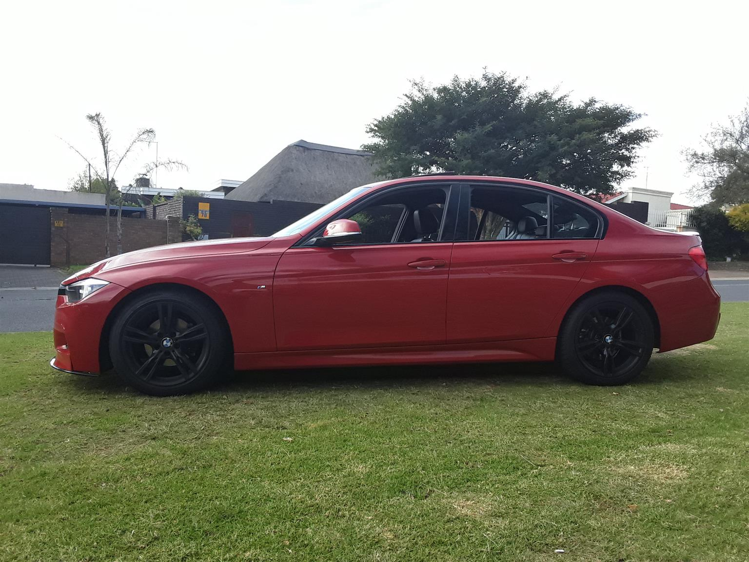 2014 BMW 3 Series 320i M Performance Edition