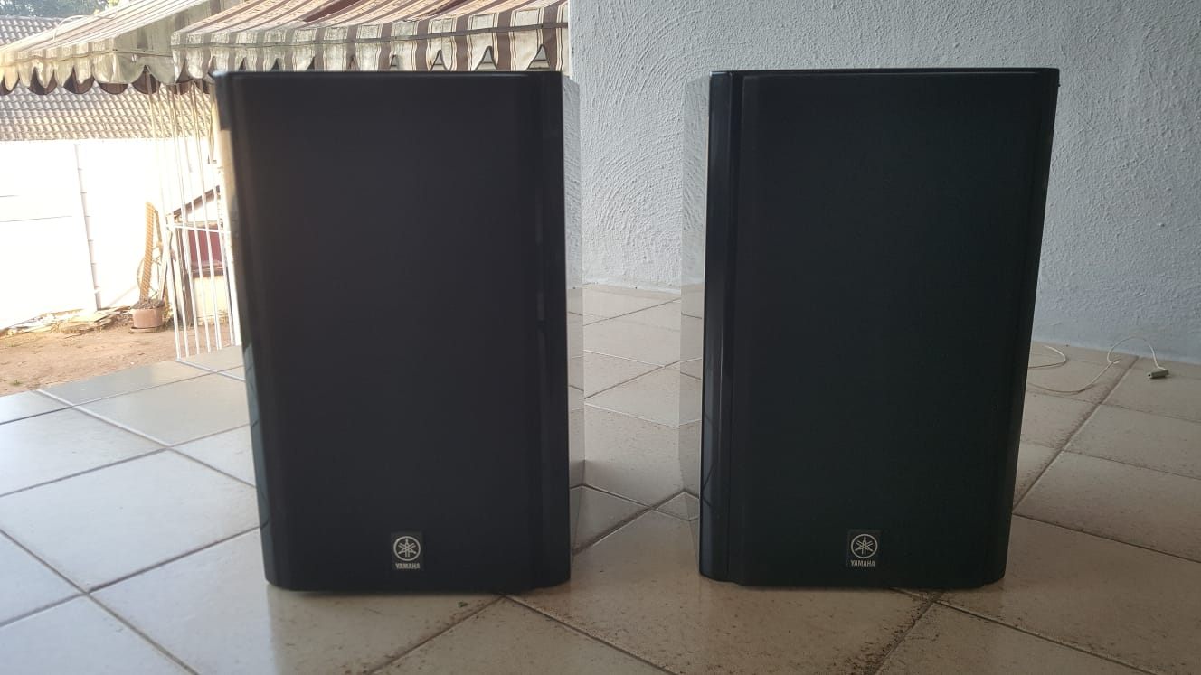 Yamaha RX-E810 mini hometheater in good working condition for sale