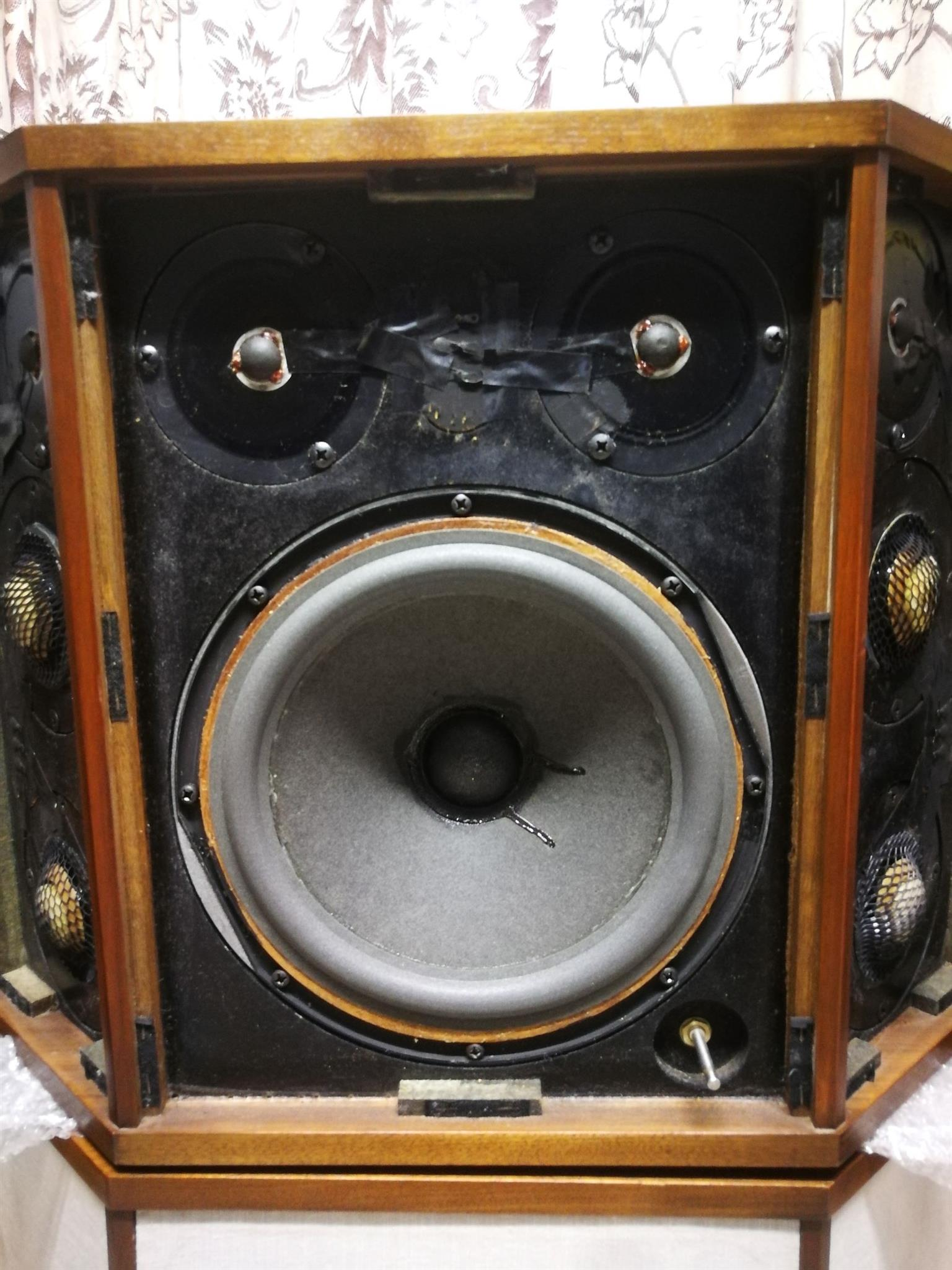 AR LST Speakers