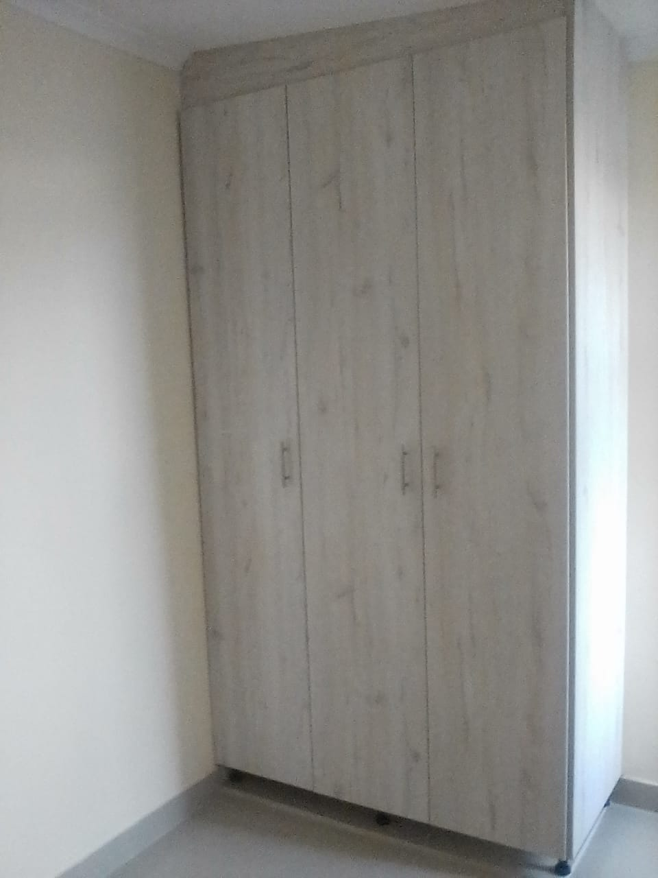 2 bedroom unit available for rent in 5 Franks Ave