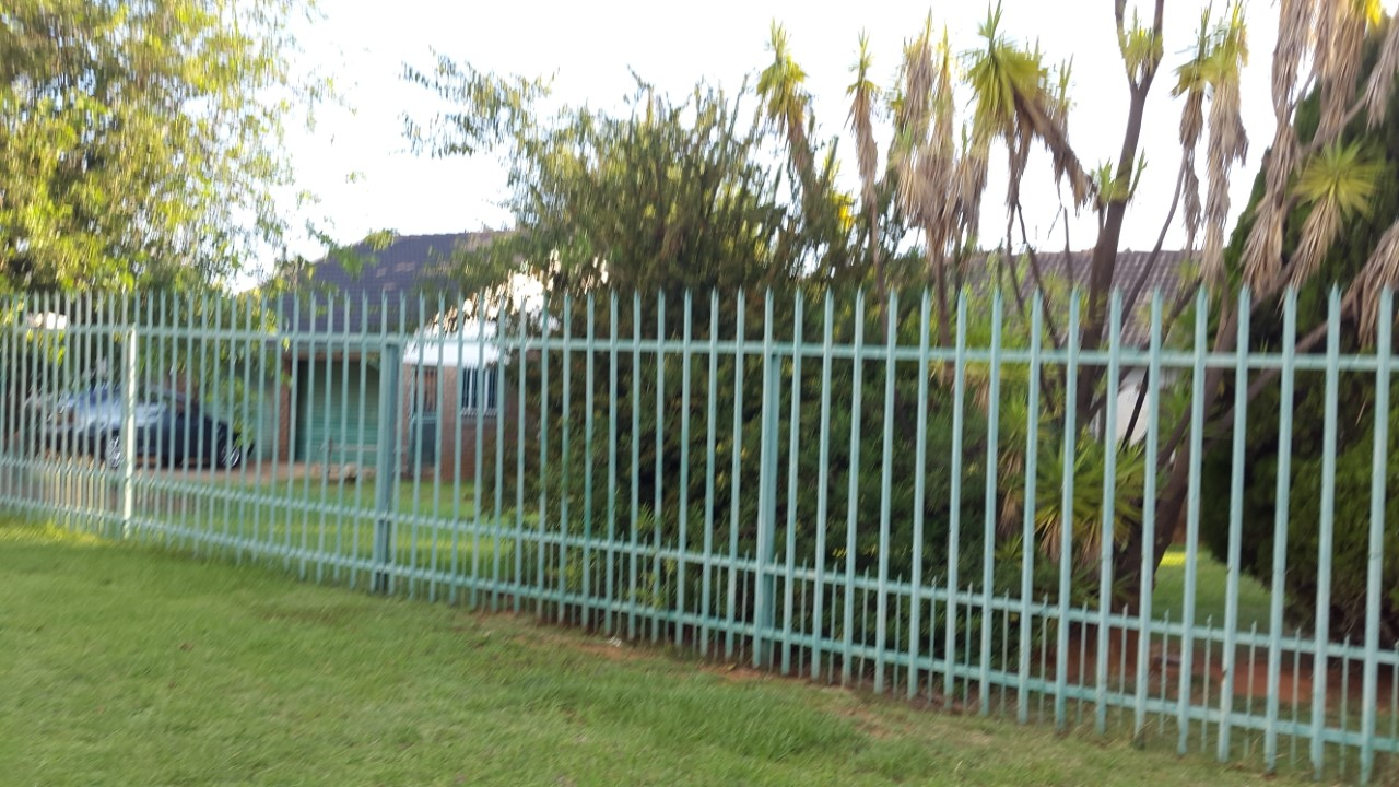 Roodepoort 20 Adam Tas Witpoortjie House To let