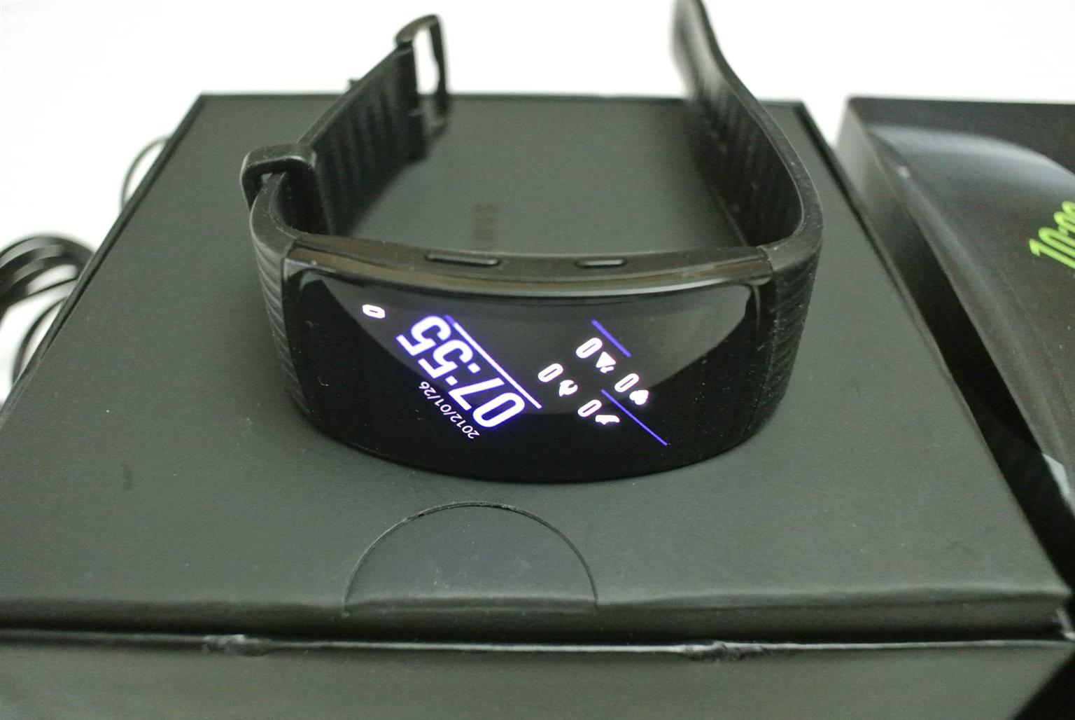 SAMSUNG - Gear Fit 2 Pro