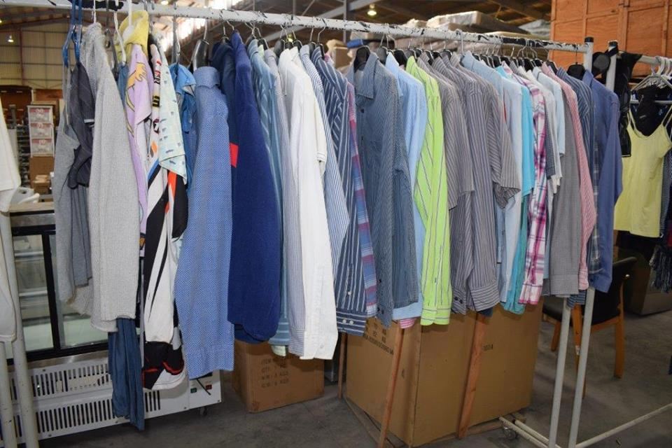 Various men's long sleeve button shirts