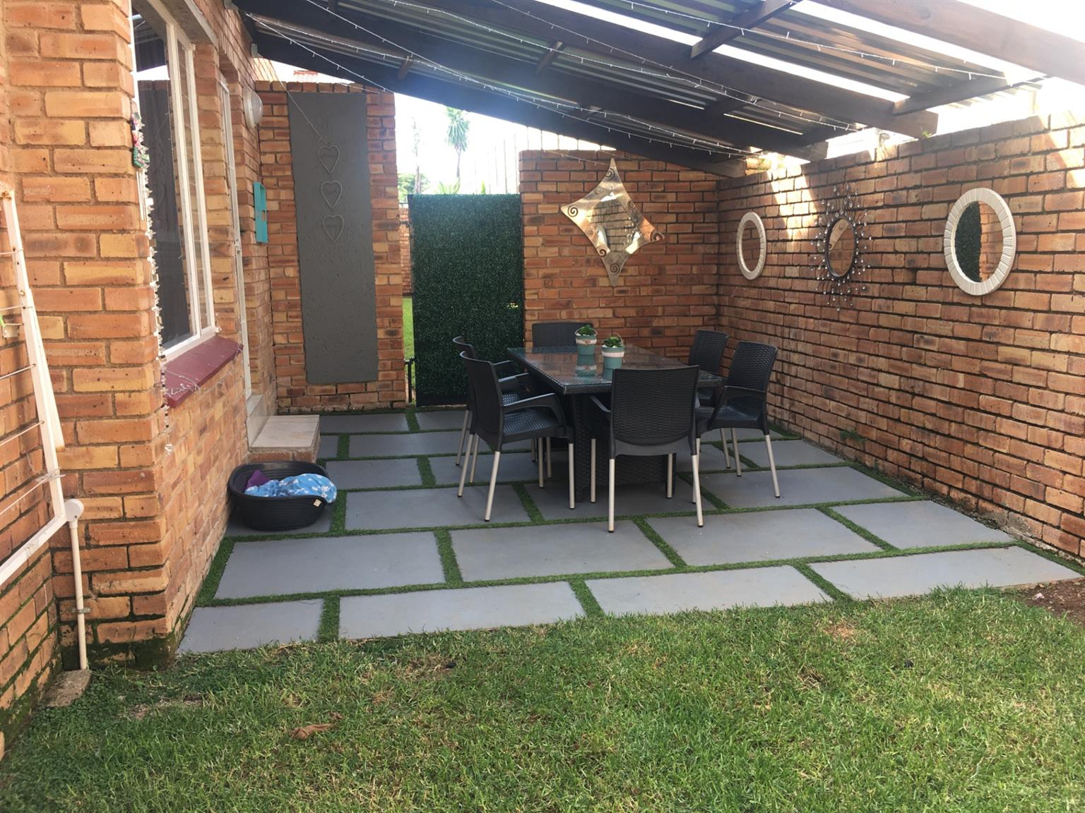 Townhouse For Sale in Rangeview