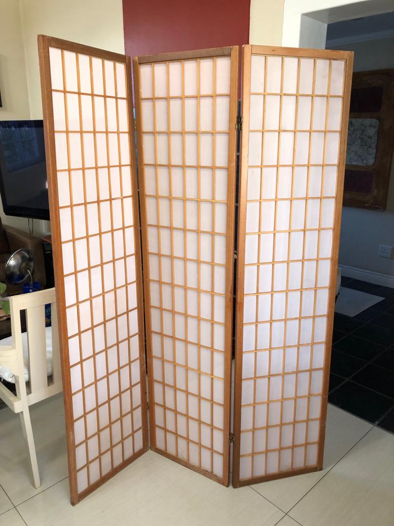 Japanese styled 3-panel wood screen / room divider Ideal for a salon or as room