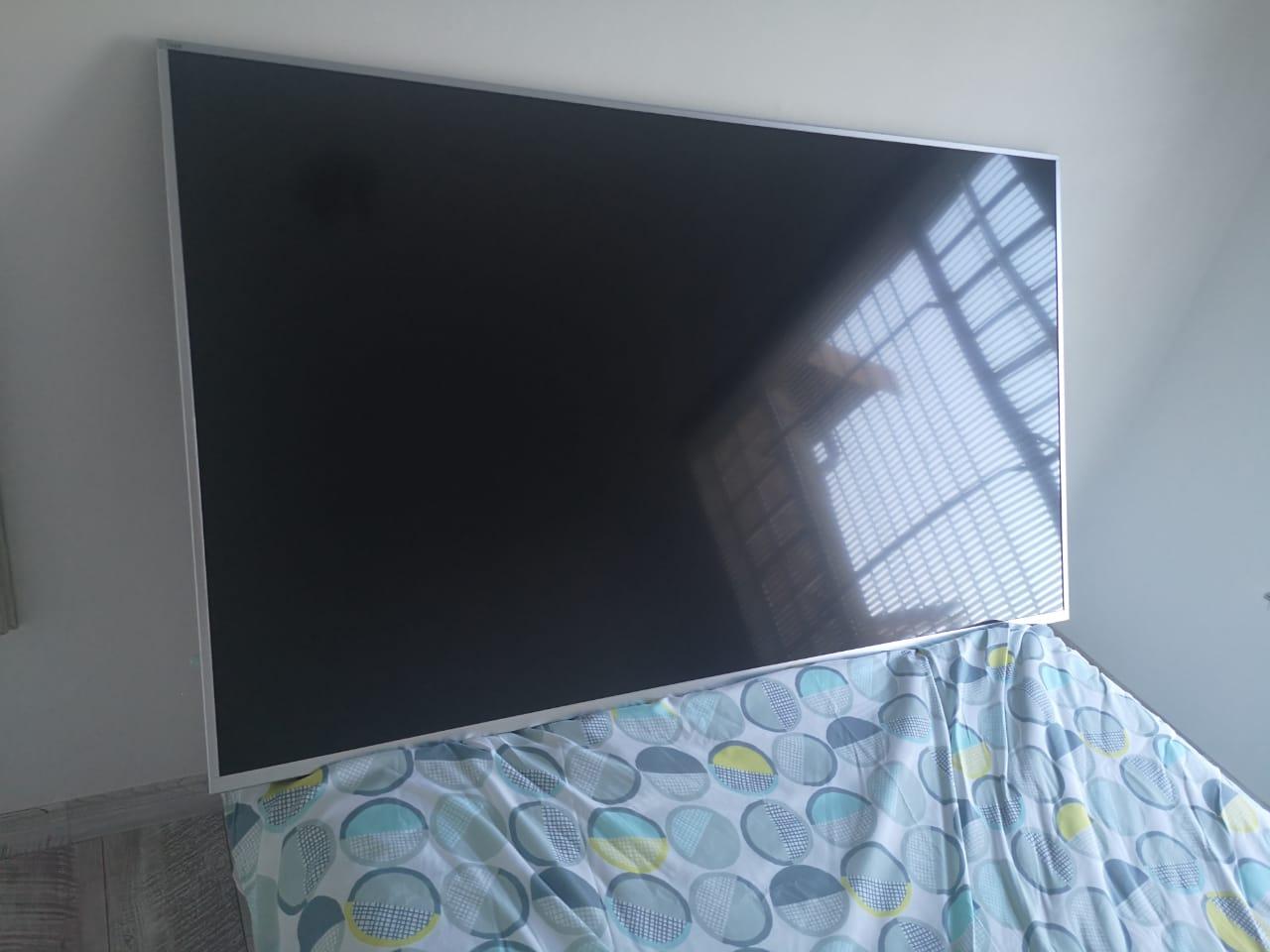 """70"""" hisence uled 4k TV"""
