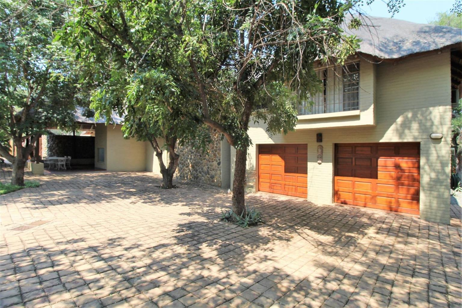 House For Sale in Mica