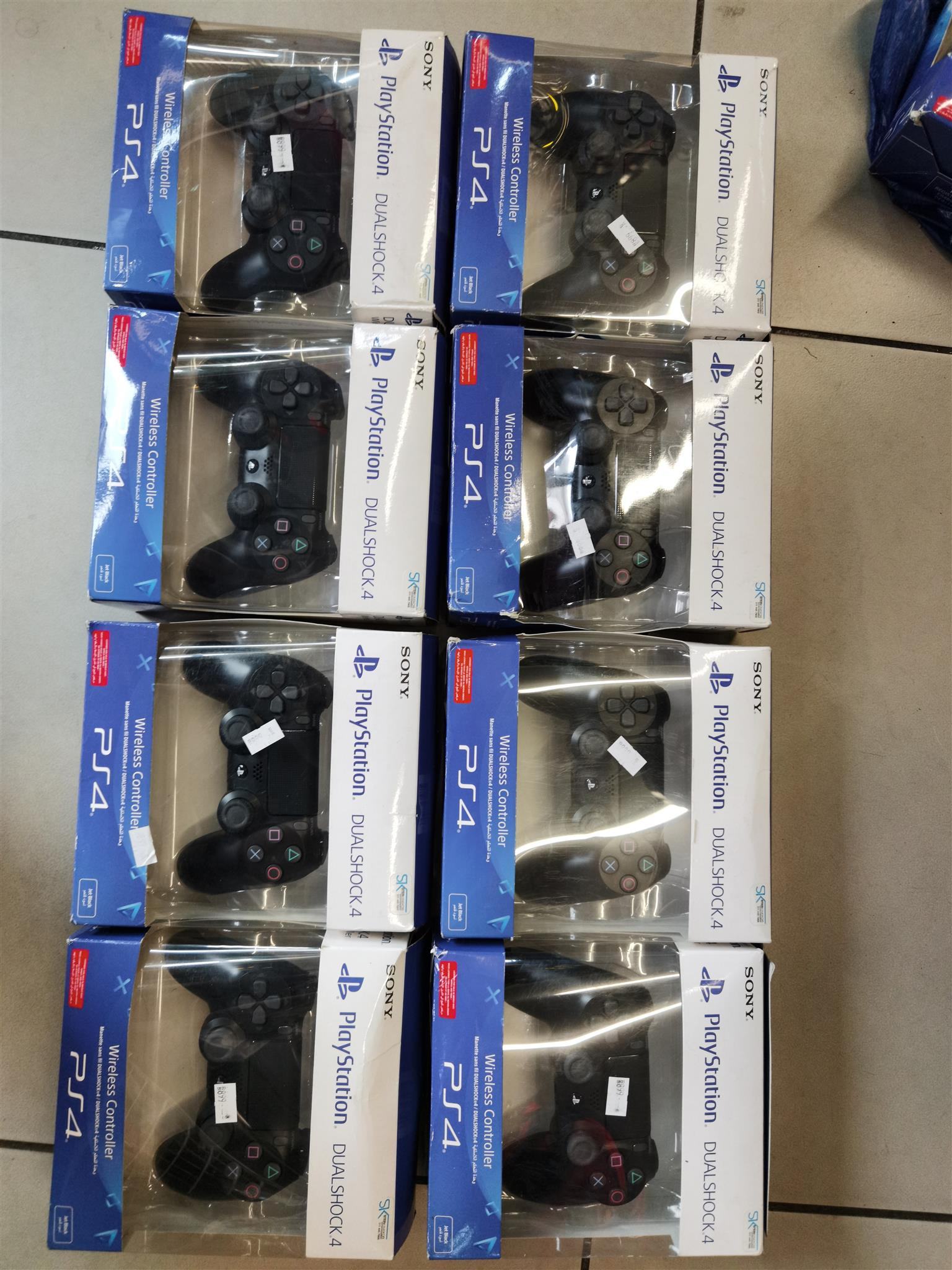 Sony Ps4 controlers sealed situated in mayfair Johannesburg
