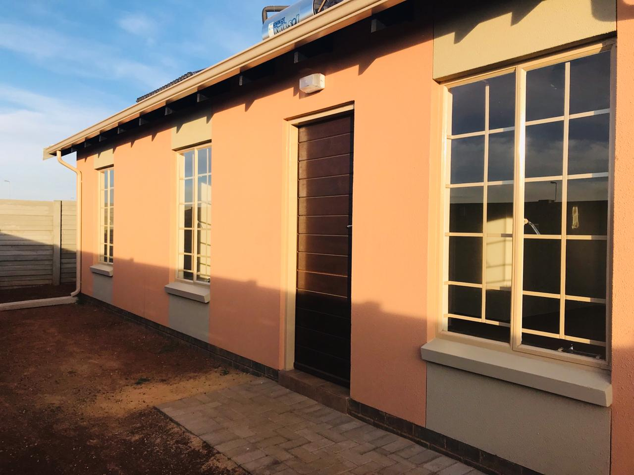 3 bedroom 2 bathroom house for sale in Sky City