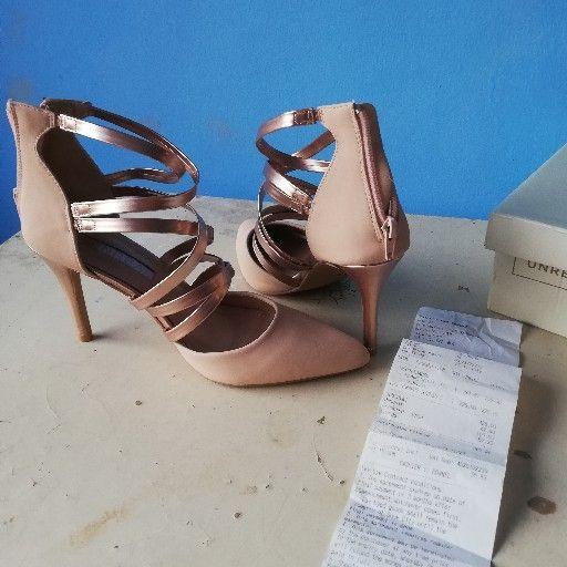 Ladies high heels size 5