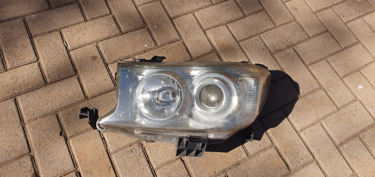 Fortuner headlight for sale