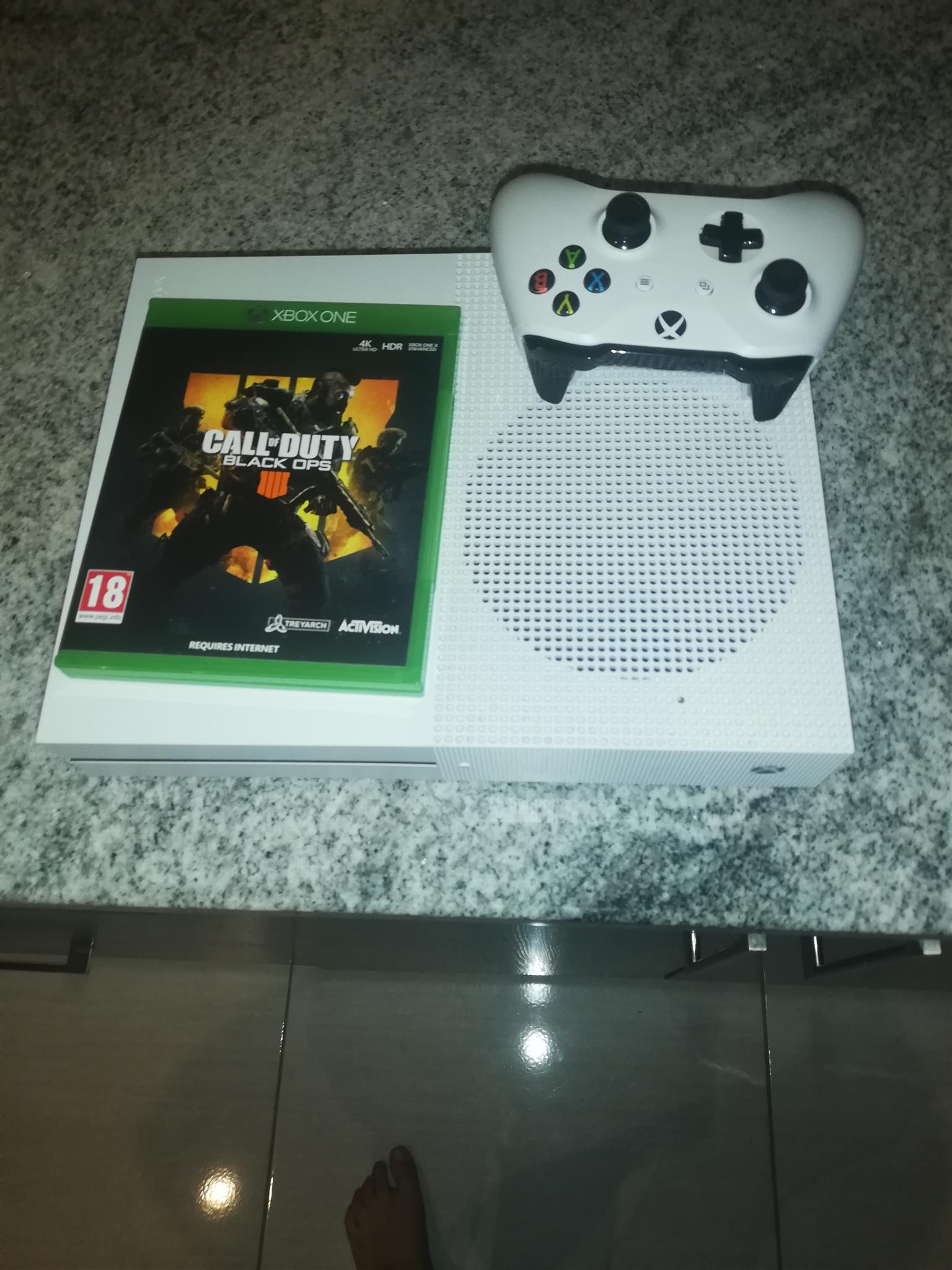 Xbox one S 1TB for sale or to swop ps4