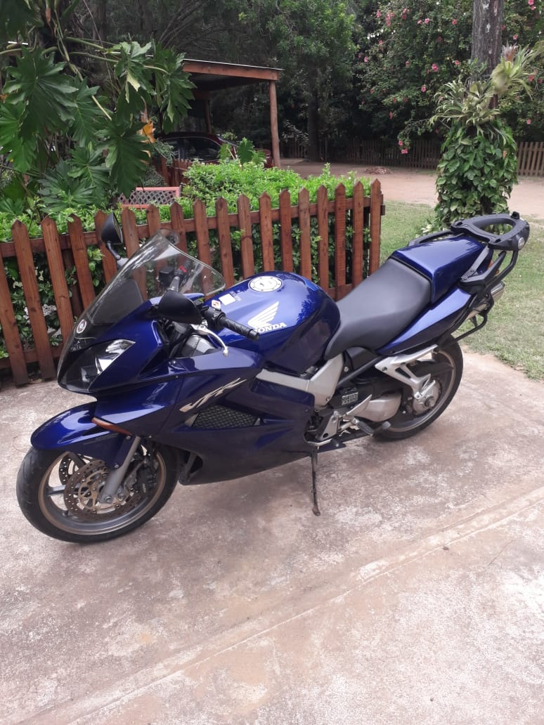 2005 Honda VFR800F