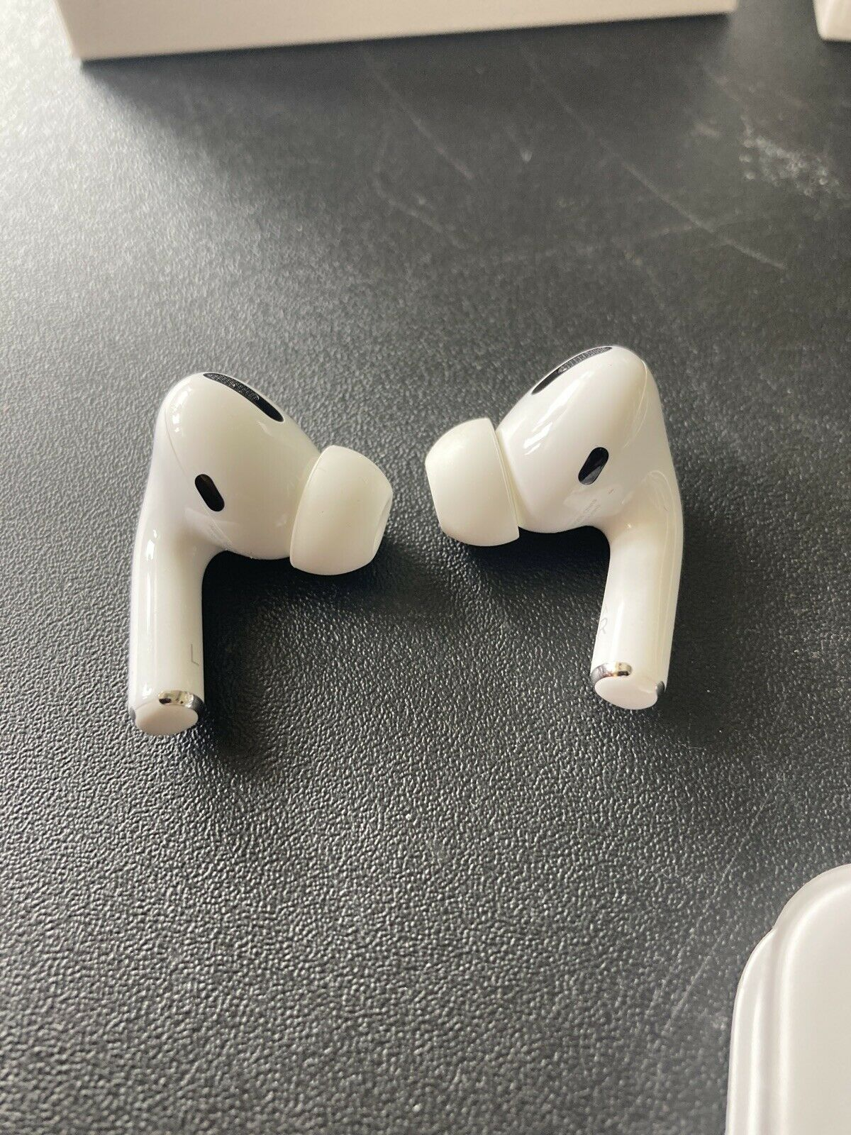 Apple AirPods Pro -Brand New - Open Box - Never Worn