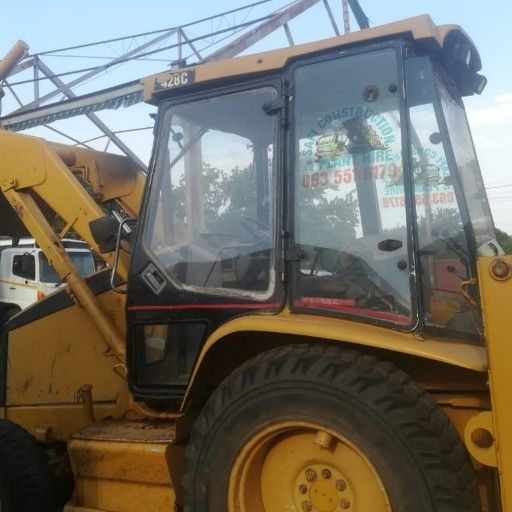 TLB MACHINE. CAT TYPE. FOR SELL. 0737277585