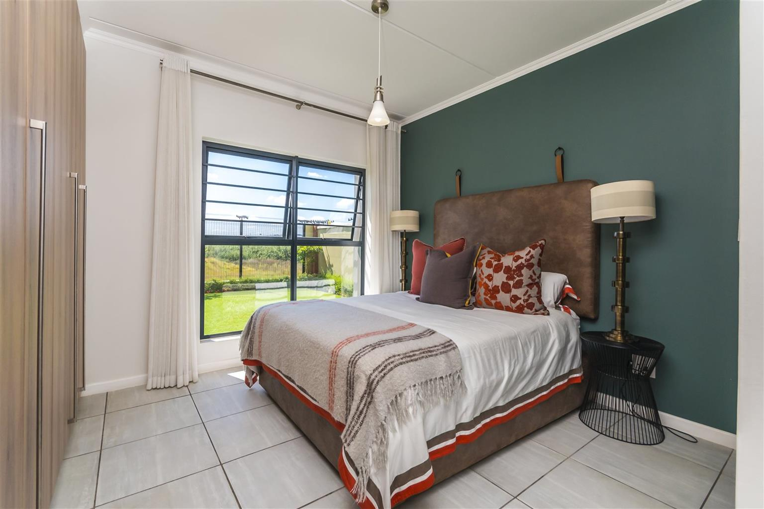 STUNNING ROOM AVAILABLE IN WATERFALL