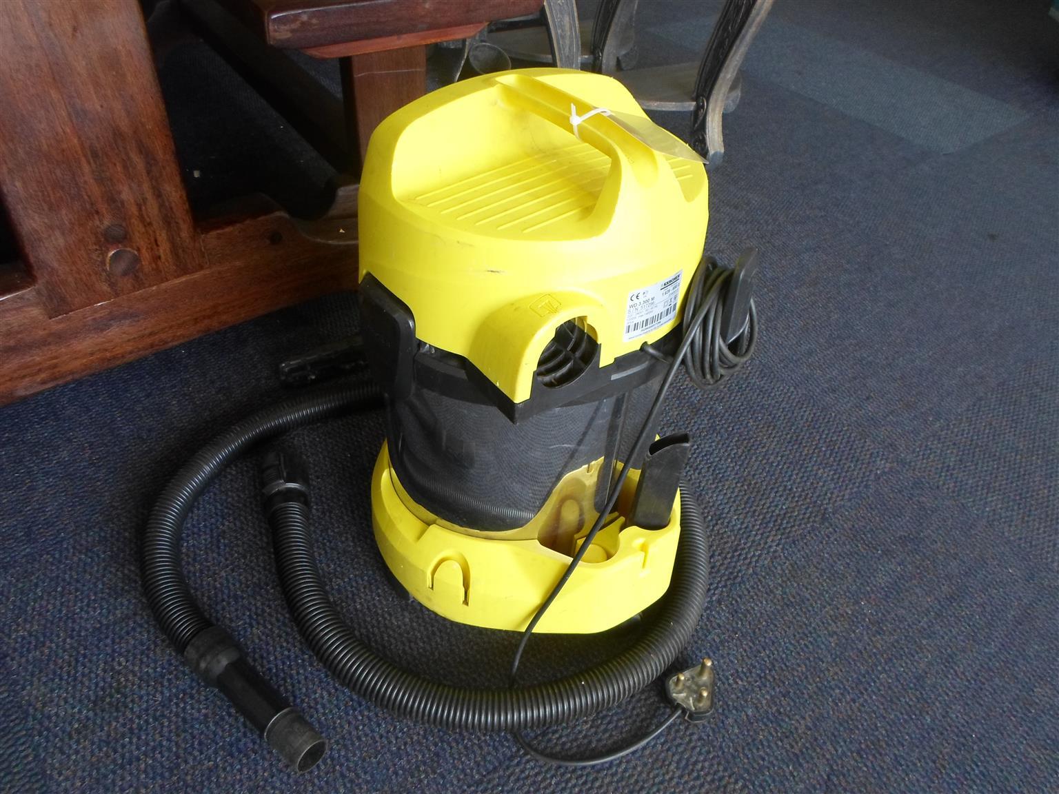 Karcher WD3.300M Vacuum Cleaner