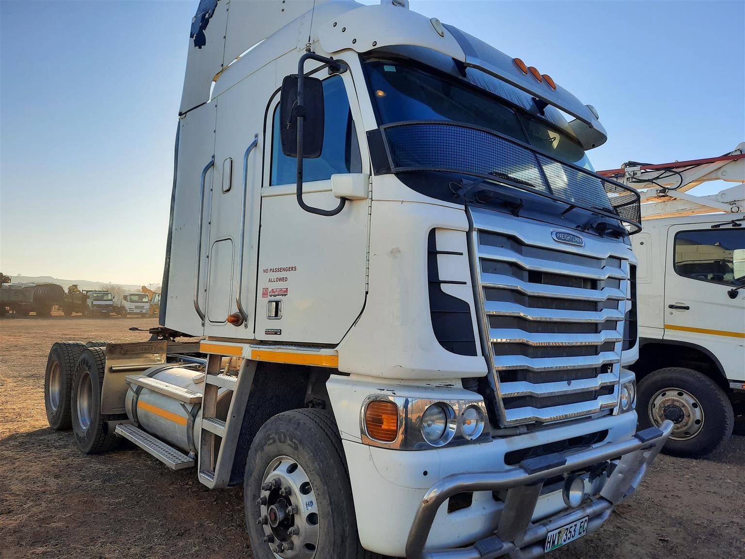2013 Freightliner ISX 500 D/D truck 6x4