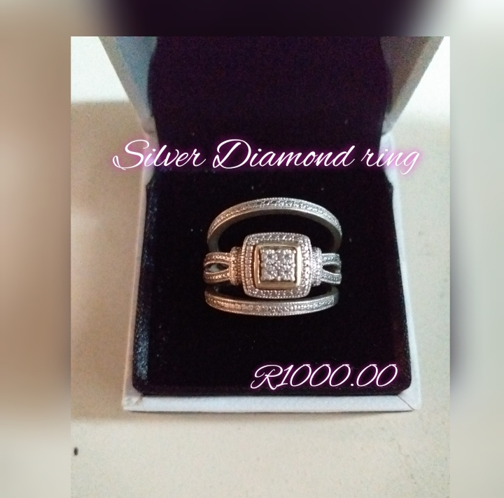 Ladies Silver diamond Ring