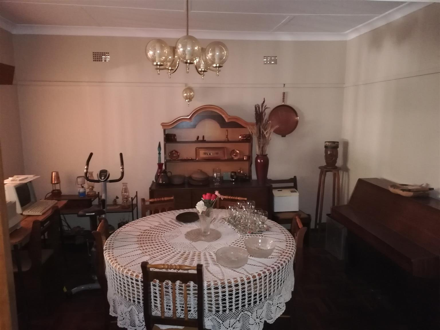 5 Bedroom House with MASSIVE PROPERTY - ALL the extras and below market value!