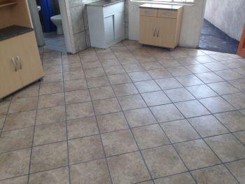 1 x Bedroom ground floor flat in Mayville Pretoria,