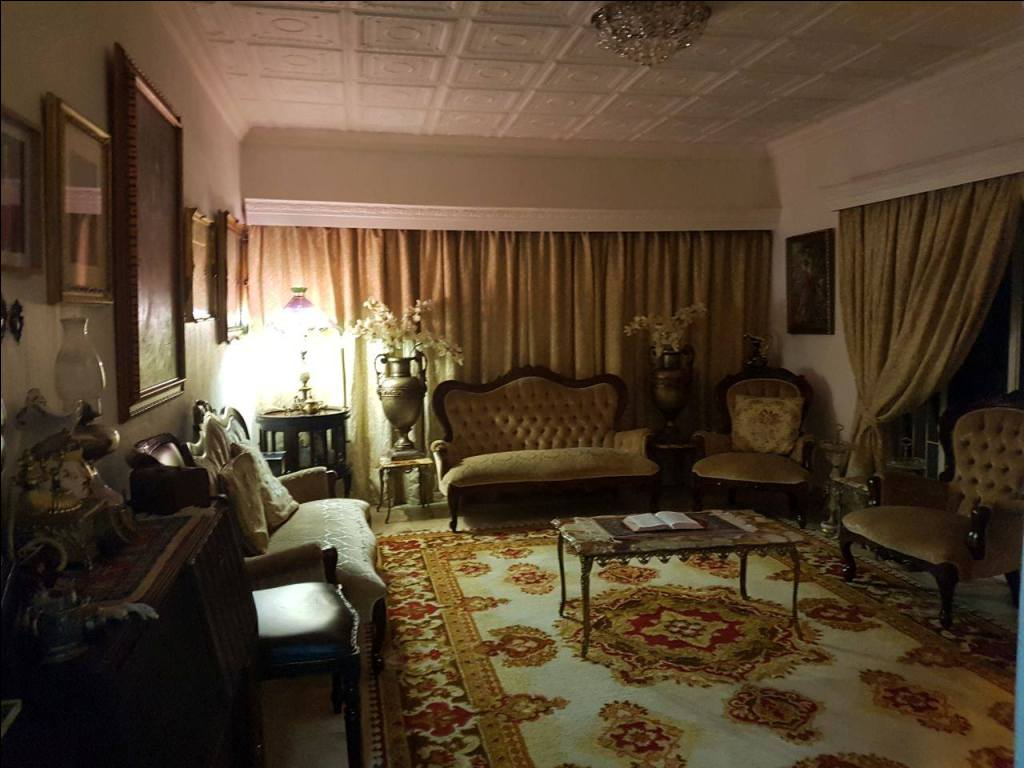 Large Family home for the entertainer  with extra space to run your home business