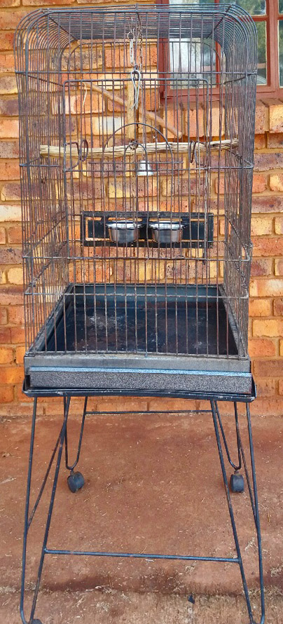 Large Parrot cage on stand