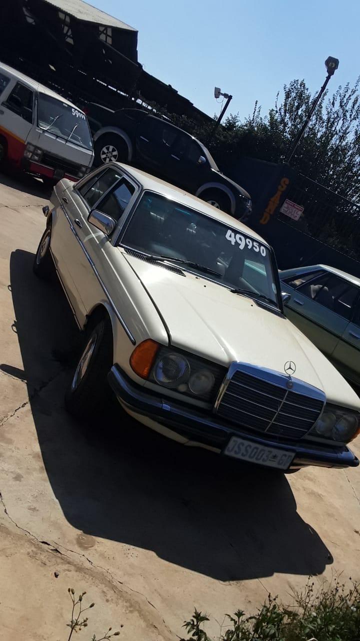 Mercedes benz, 2lt petrol