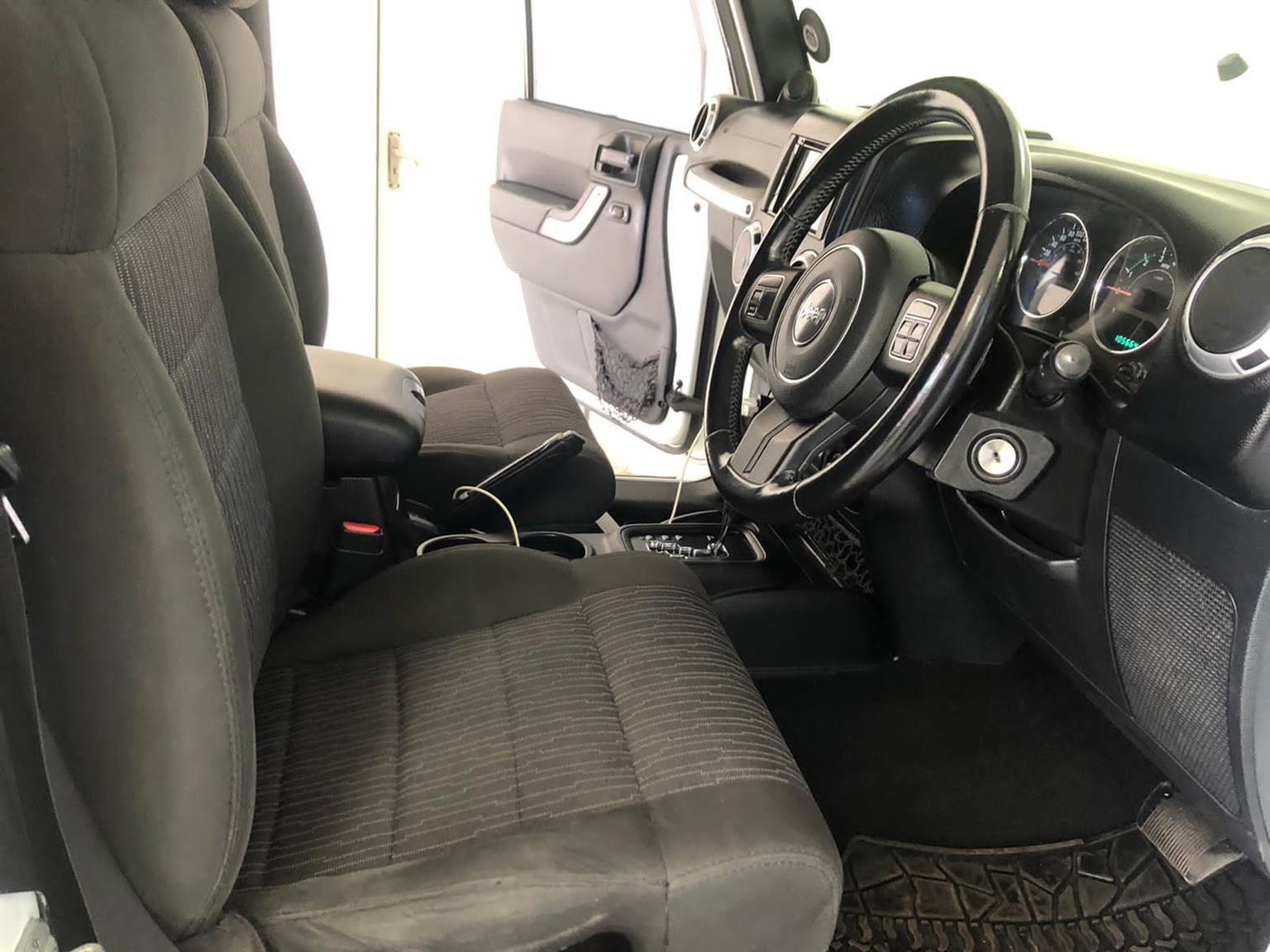 2011 Jeep Wrangler Unlimited 3.8L Rubicon 4x4 Auto