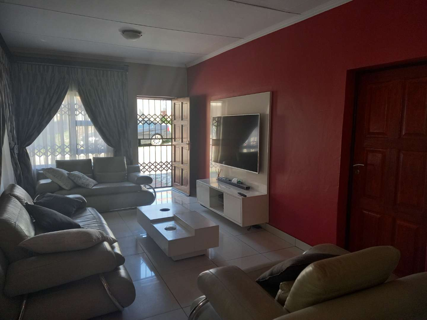 House For Sale in Sagewood