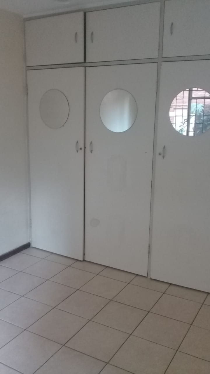 FLAT to Rent From 15 April 2021.  Neat 2 bedroom 1 bathroom apartment to rent in