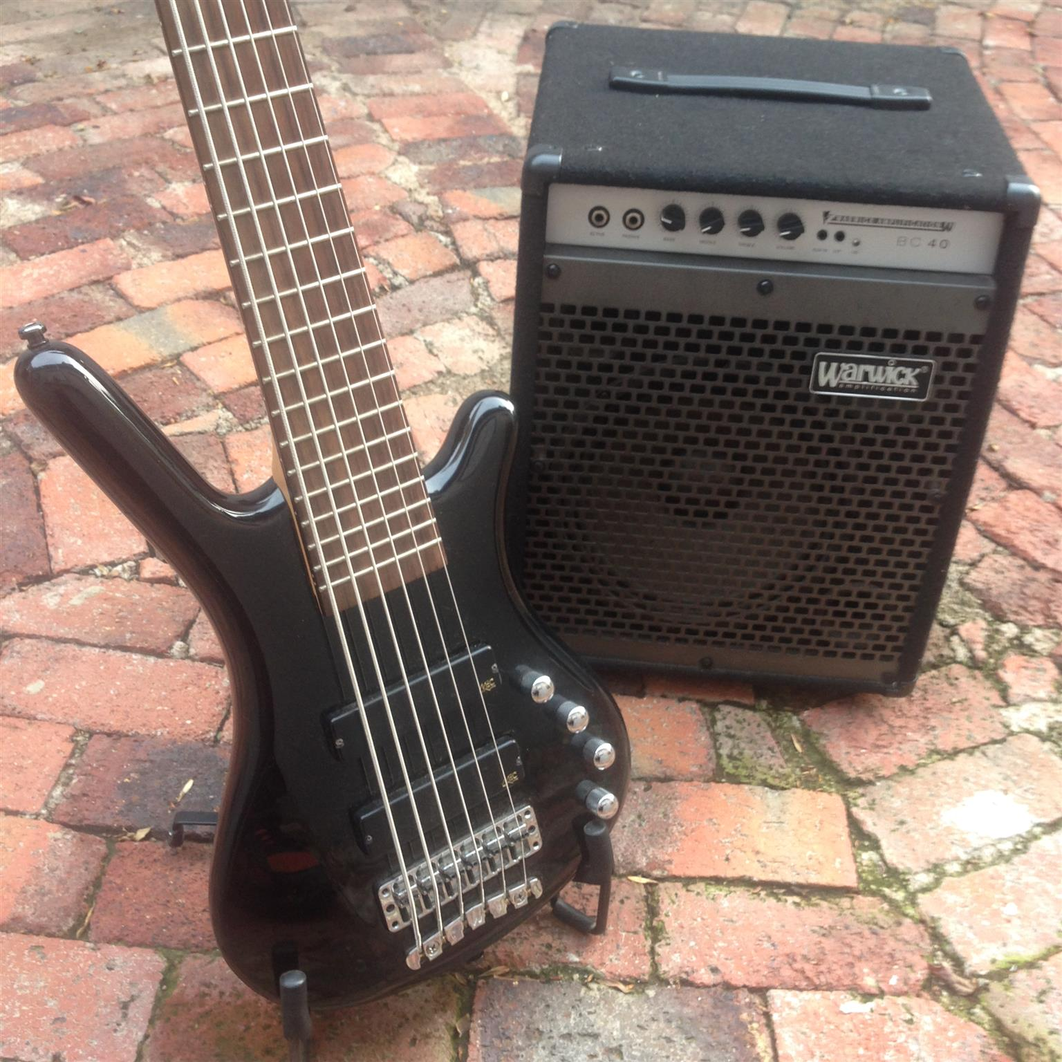 sale or trade warwick bass guitars and amplifiers junk mail. Black Bedroom Furniture Sets. Home Design Ideas