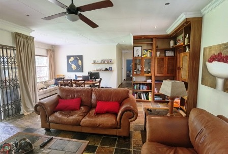 Townhouse For Sale in Hennopspark