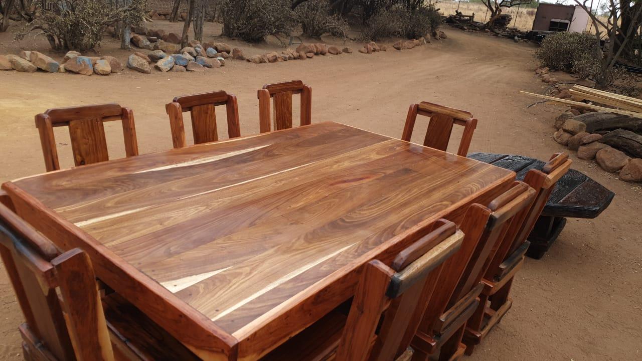 8 seat diningroom suite
