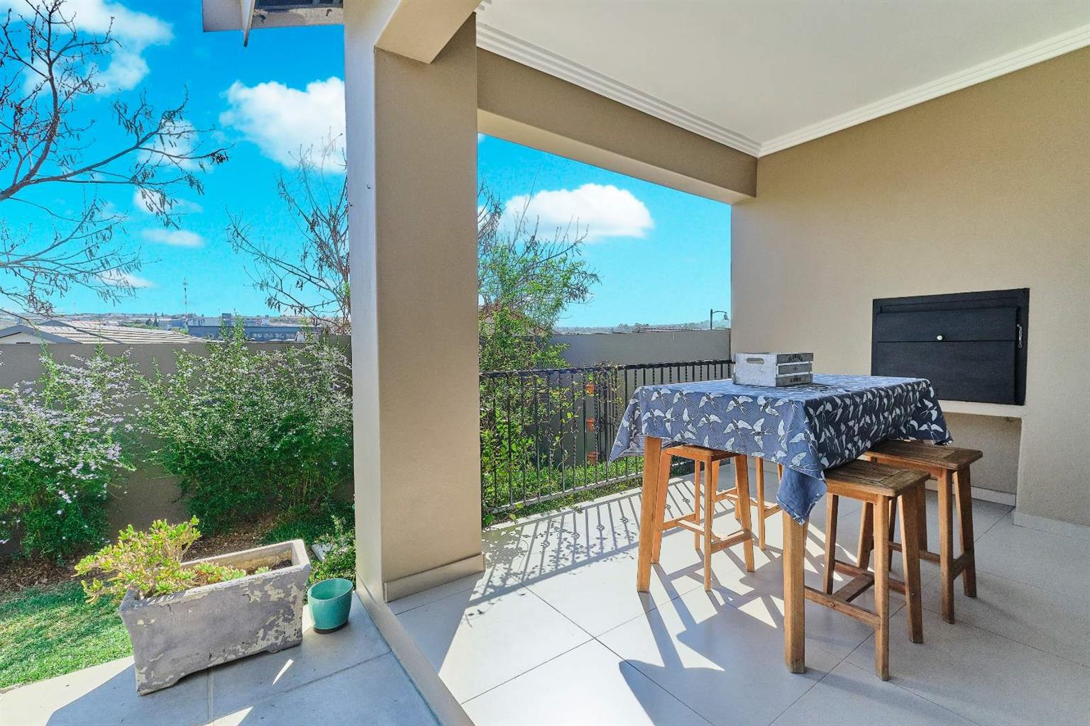 House For Sale in Barbeque Downs