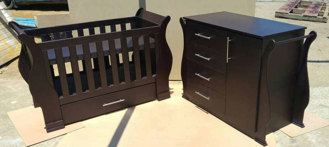 Sleigh Cot and Compactum Sur 03