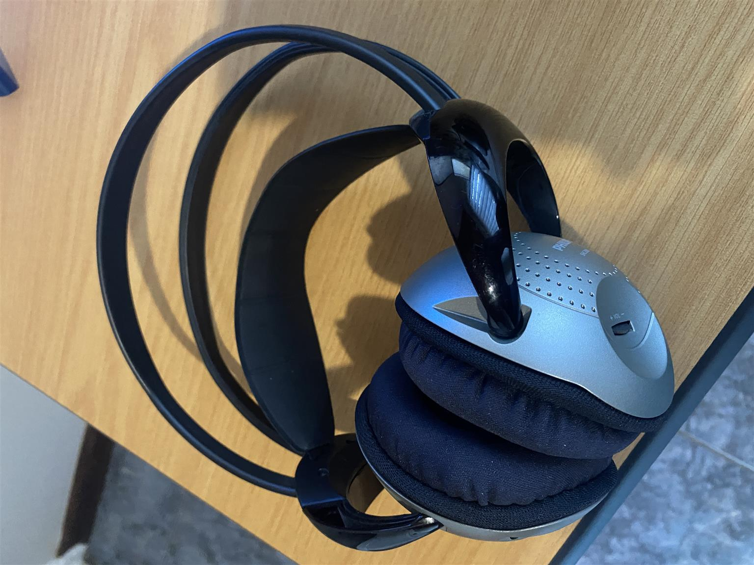 Philips wireless IR headphones