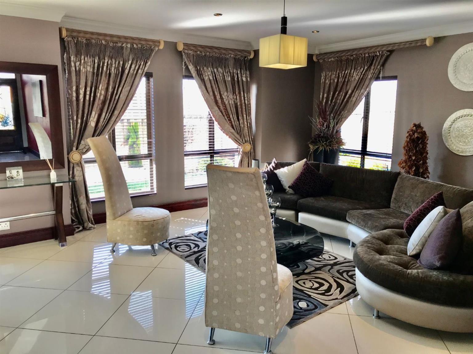 House For Sale in MIDFIELD ESTATE