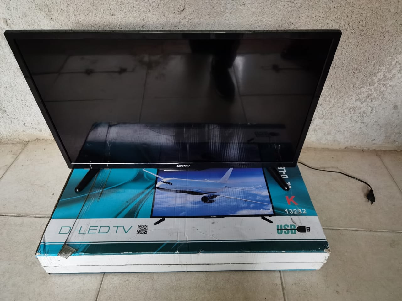 32 inch led tv Ecco in perfect condition R1999