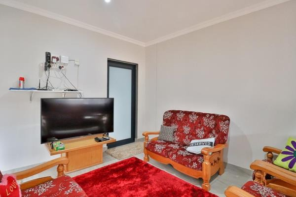 Townhouse For Sale in Edendale